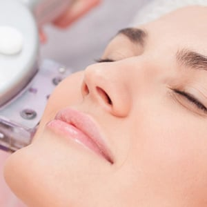 Facelifting Treatments